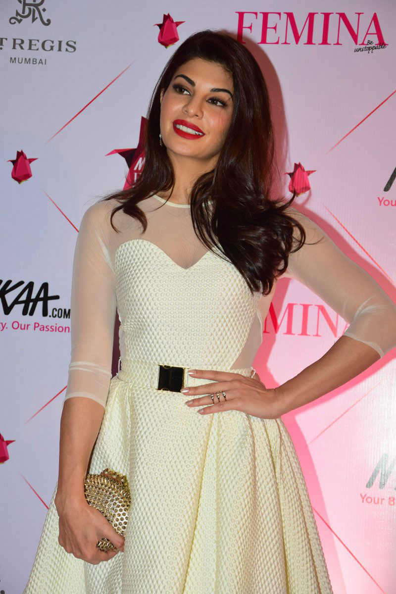 Femina Beauty Awards 2017: Jacqueline Fernandez Looks beauty queen at the red carpet!