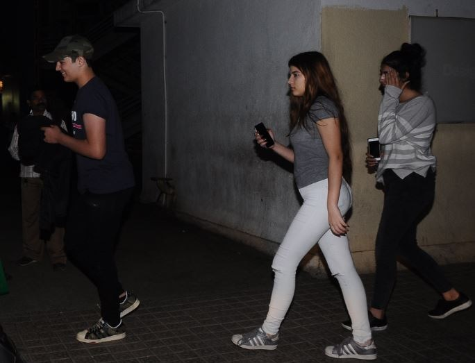 Akshay Kumar's son Aarav spotted with close friends