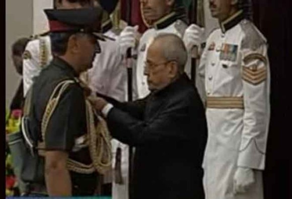 President gives gallantry medals to surgical strike heroes
