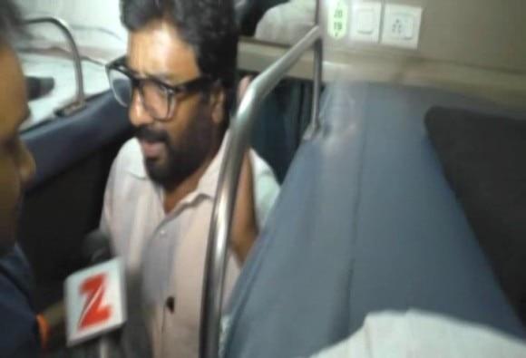 सांसद रवींद्र गायकवाड़ ने मीडिया से की बदसलूकी!