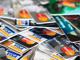 नोटबंदी इफेक्टः क्रेडिट कार्ड की जगह डेबिट कार्ड का इस्तेमाल बढ़ा !