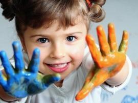 बच्चे 4 साल की आयु में सीखते हैं दूसरों को समझना