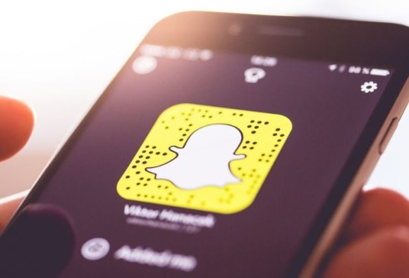 Scientists explain why people use snapchat app