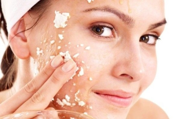 Natural Remedies for Summer Skin Problems