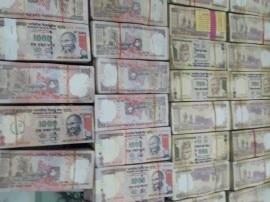 गुजरात में बरामद हुए 5.81 करोड़ रुपए के पुराने नोट, हिरासत में लिए गए 5 लोग