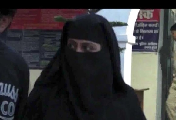 Bareilly:  daughter-in-law of Ala Hazrat family attacked, who raised voice against Triple Talaq