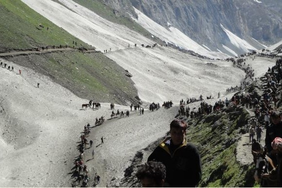 16th batch of 3398 pilgrims leaves for Amarnath from Jammu