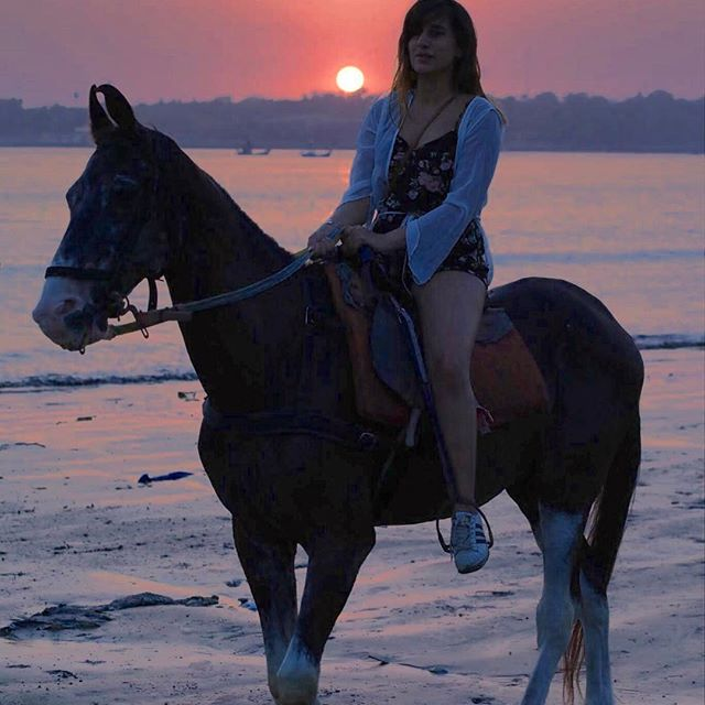 See the latest pictures of Saloni Chopra's Australia trip