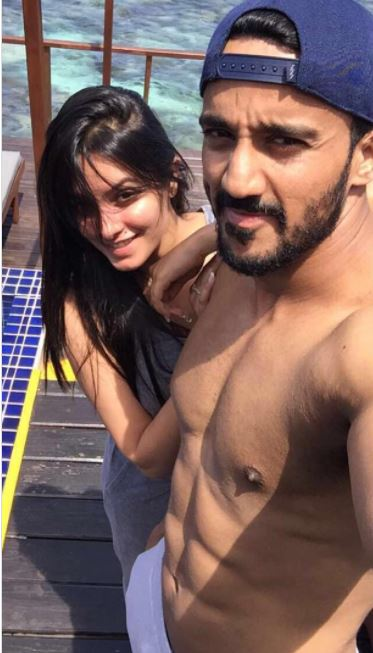 'Yeh Hai Mohabbatein' actress Anita Hassanandani is on holiday with hubby rohit reddy