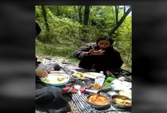 know truth of this viral video from kashmir