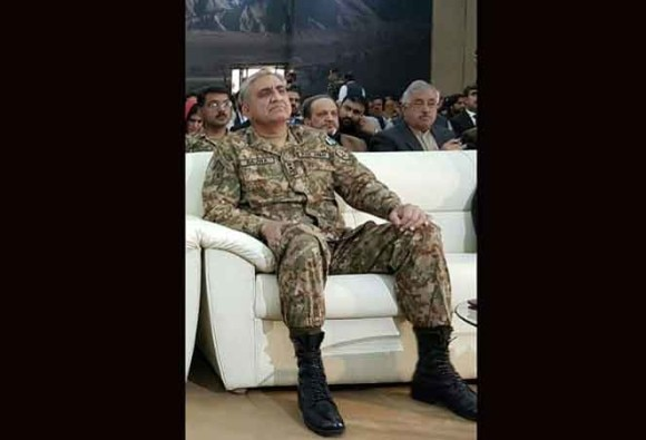 Pakistan at crossroads in terror fight, must decide: Army chief