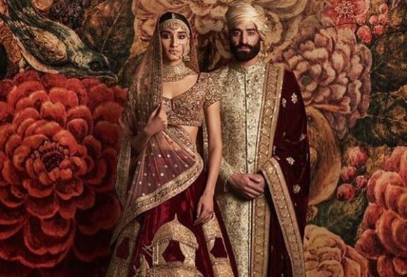 शादी की ड्रेसेज को यूं दे सकते हैं शाही लुक