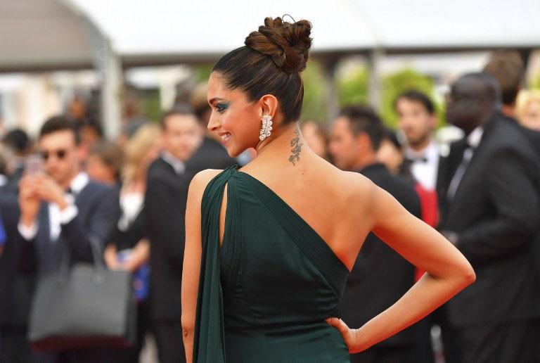 Cannes Film Festival 2017: ग्रीन आउटफिट में दीपिका पादुकोण ने दिखाई अपनी हॉटनेस, यहां हैं PICS