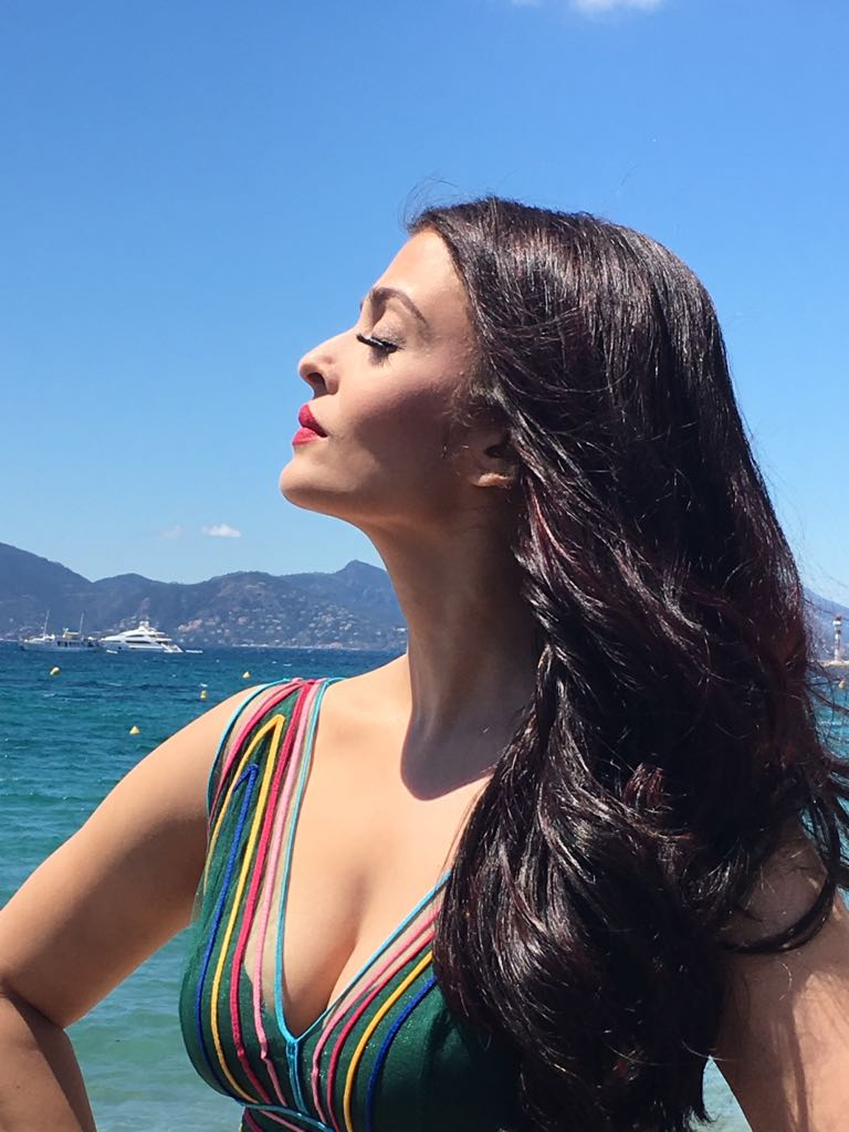 Aishwarya Rai's first look is OUT & she look absolutely GORGEOUS in her sheer green dress!