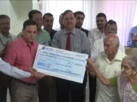 गुजरात के 84 साल के शख्स ने अपनी जिंदगी की सारी कमाई कर दी 'सेना' को दान