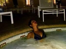 प्रियंका चोपड़ा ने एक बार फिर लगाई पानी में आग!