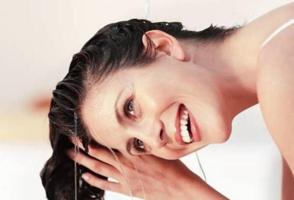 मानसून में यूं करें बालों और त्वचा की देखभाल!
