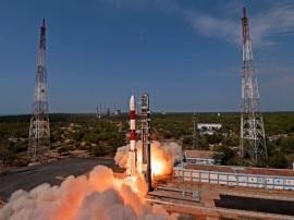 इसरो की एक और सफल उड़ान, कार्टोसेट टू समेत 14 देशों के 29 सेटेलाइट्स अंतरिक्ष में लॉन्च