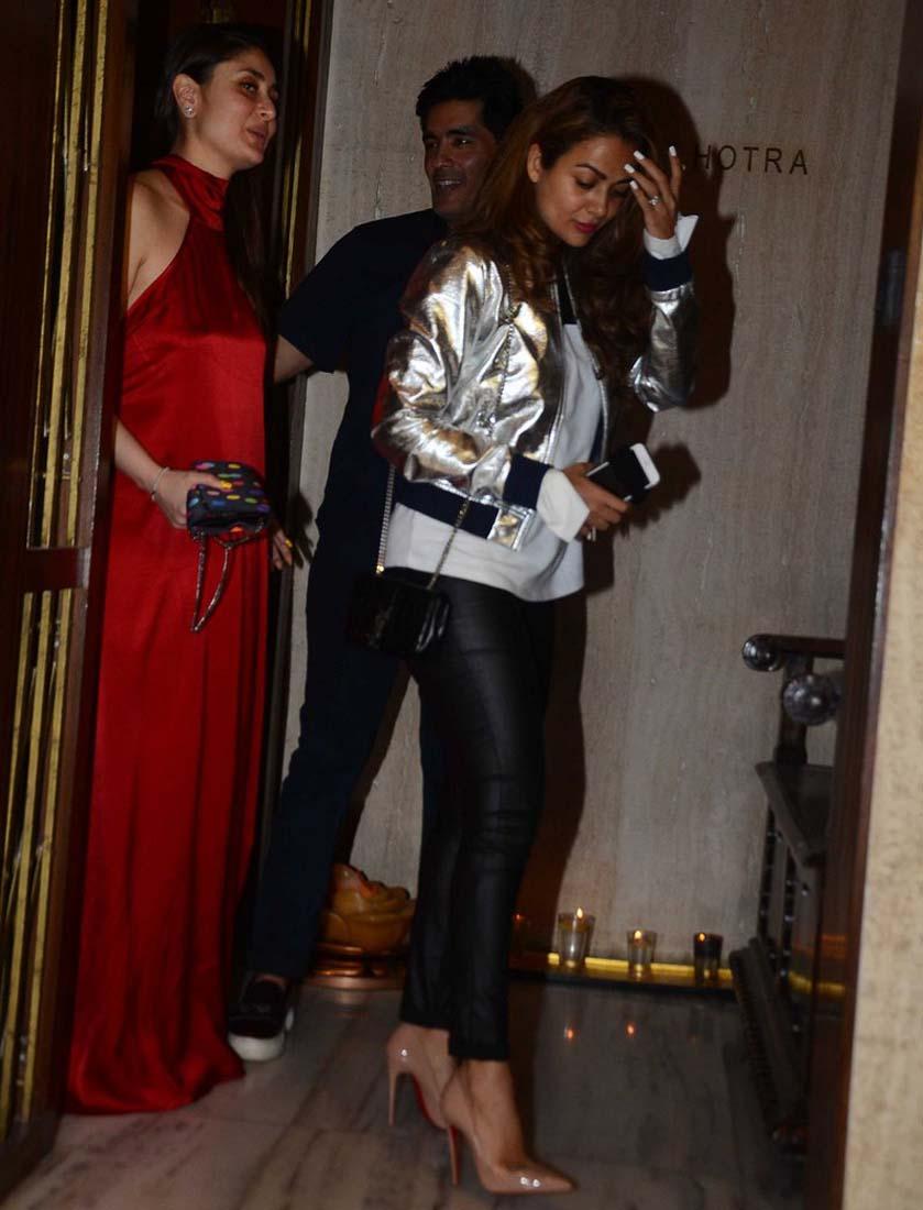 Kareena Kapoor Khan looks red hot at Manish Malhotra's bash