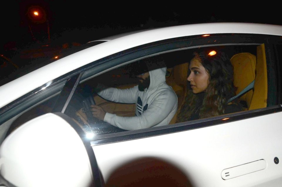 PICS : Ranveer Singh and Deepika Snapped on his BIrthday