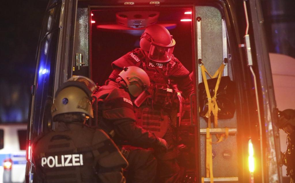 Demonstrating protests against G20 summit, Germany is burning