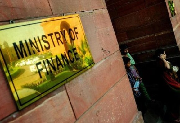 Direct tax collections increased 15.8 percent in in First Quarter, reached 3.86 lakh crore