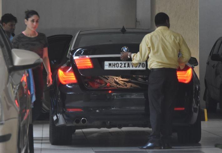 Kareena Kapoor & cutie Taimur snapped as they drop in at mom Babita Kapoor place in Bandra