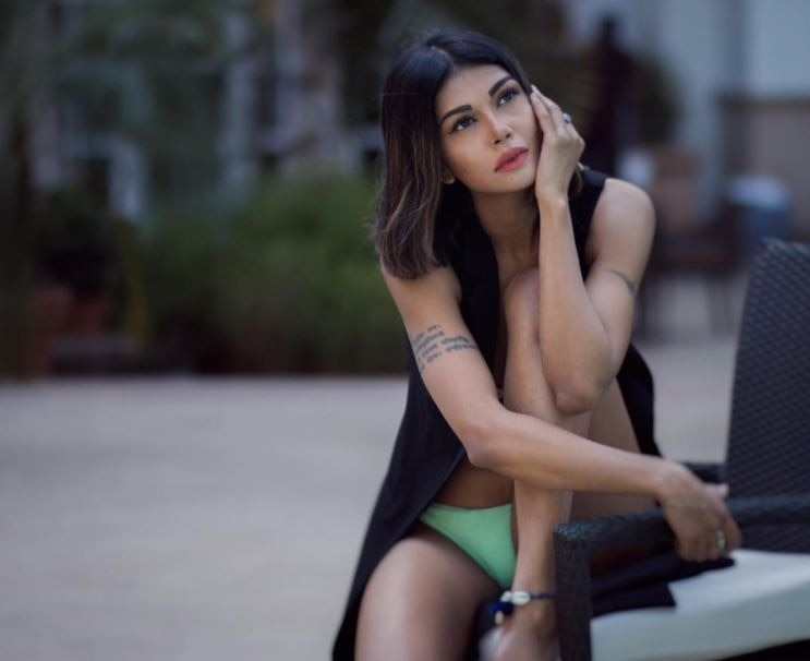 ex- 'Big Boss' Contestant Sakshi Pradhan shared Bold Photos on Instagram