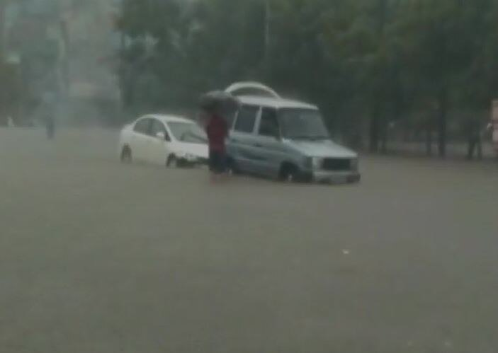 gujrat rain 1
