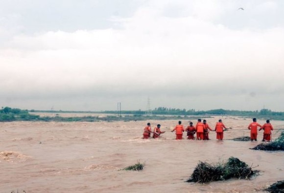 Rain fury in Gujarat claims 9 lives, over 400 rescued in two days