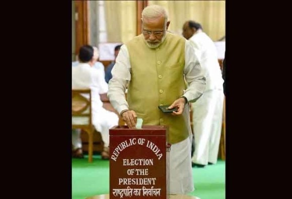 PM Modi reached before time on Polling booth, share story about his punctuality