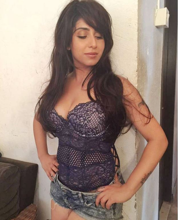 See the latest pictures of Neha Bhasin