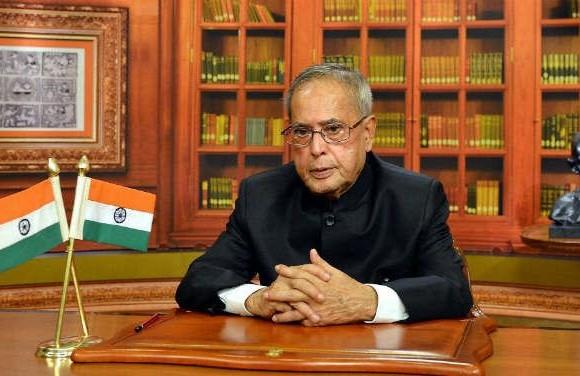 विदाई भाषण में बोले राष्ट्रपति प्रणब मुखर्जी- समाज में हिंसा की कोई जगह नहीं, कल कोविंद लेंगे शपथ