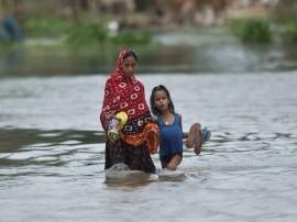 गुजरात: बनासकांठा और पाटन जिले में बाढ़ का कहर, अबतक 75 की मौत