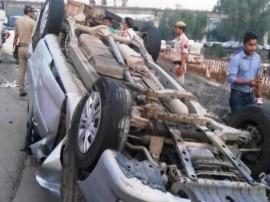 दिल्ली: NH 24 पर आज सुबह सड़क हादसे में एक ही परिवार के 6 लोगों की मौत