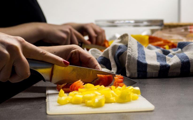 BLOG : महिलाएं सिर्फ बचा-खुचा खाने के लिए नहीं बनी हैं