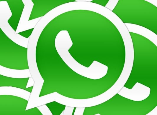 WhatsApp Android beta Version  reveals Facebook-like coloured text Status