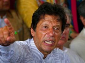 विवादित बयान को लेकर अवमानना का सामना कर रहे हैं इमरान खान