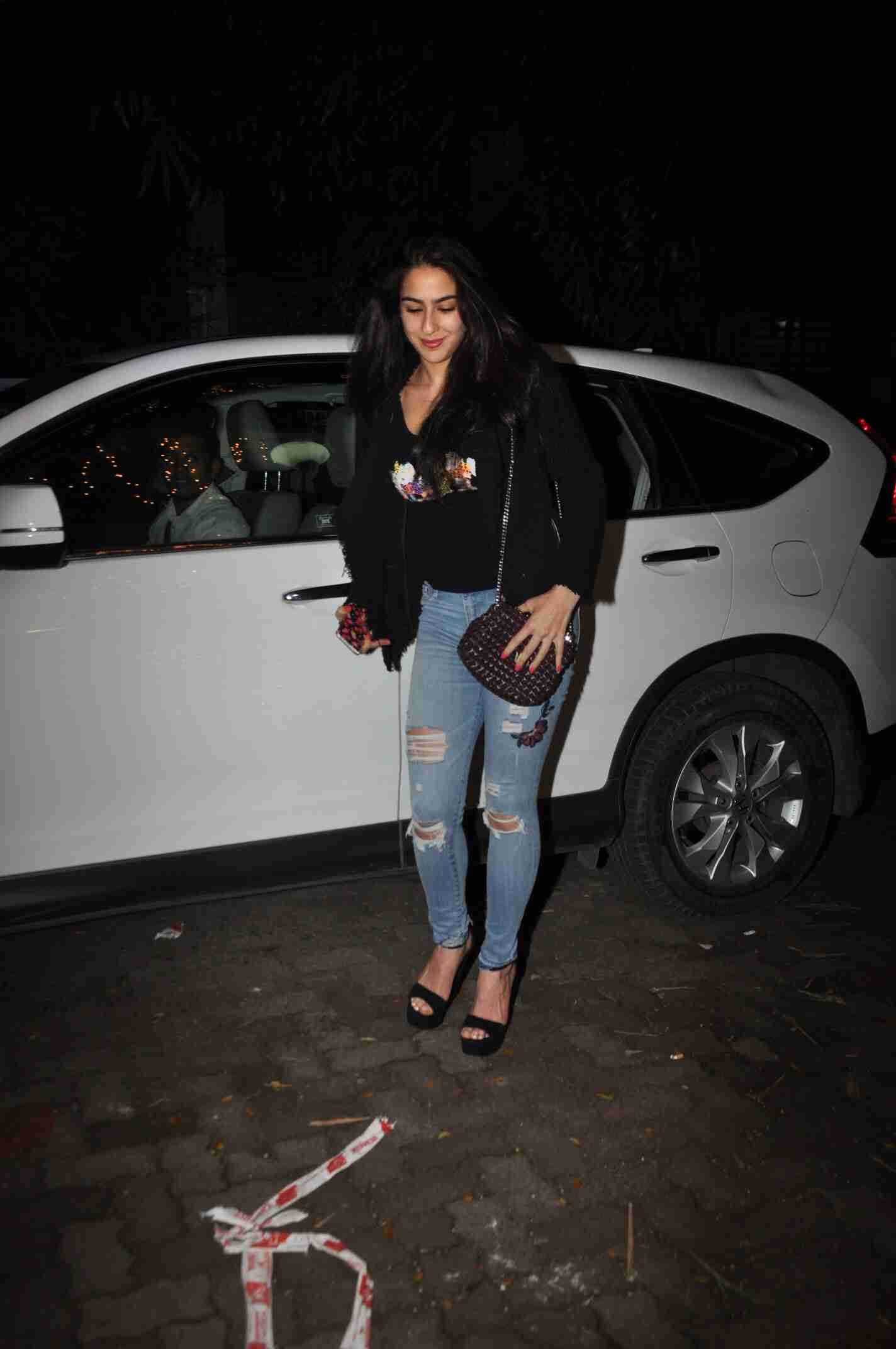 See tha latest pictures of sara ali khan