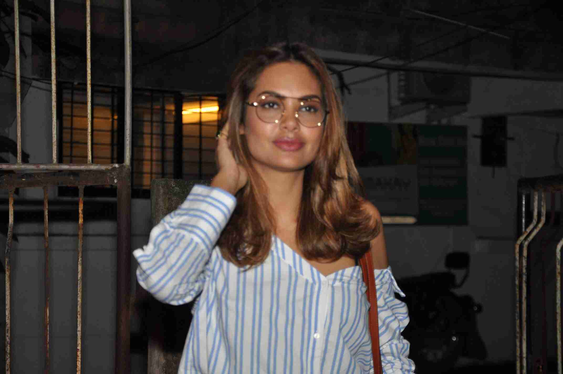 See the latest pictures of Esha Gupta