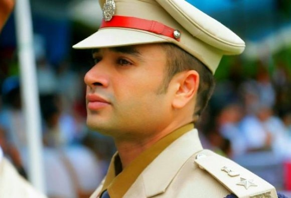 IPS officer from Madhya Pradesh going viral on social media
