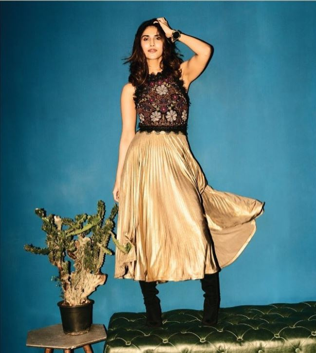 Vani Kapoor's photoshoot for Winter and Autumn Collection of Ritu Kumar