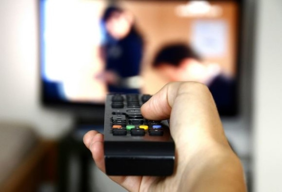 Despite high cell phone use, peoples interest in TV intact