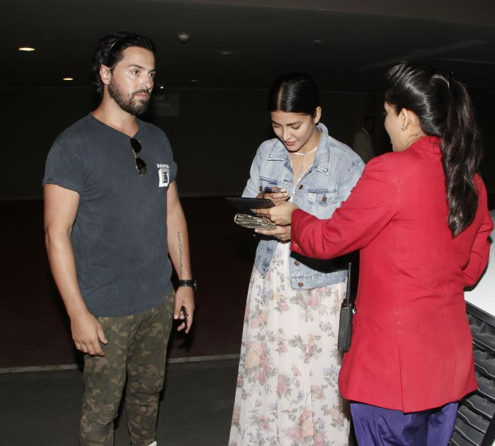 See the latest pictures of Shruti Haasan