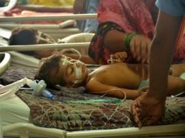 गोरखपुर ट्रेजडी:जारी है बच्चों की मौत का सिलसिला, गुरुवार को 8 की मौत