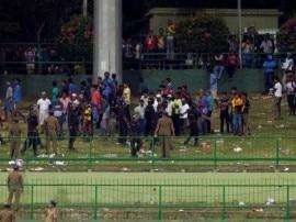 मुसीबतों के पहाड़ से निकलने में घरेलू फैंस को ही देना होगा श्रीलंकाई टीम का साथ