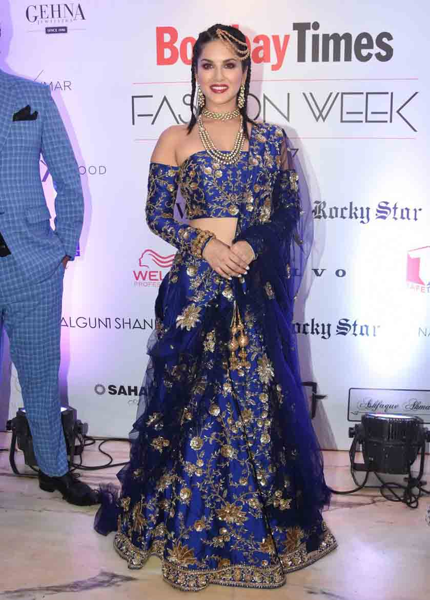 Sunny Leone walks the ramp at Bombay Times Fashion Week, View Pics