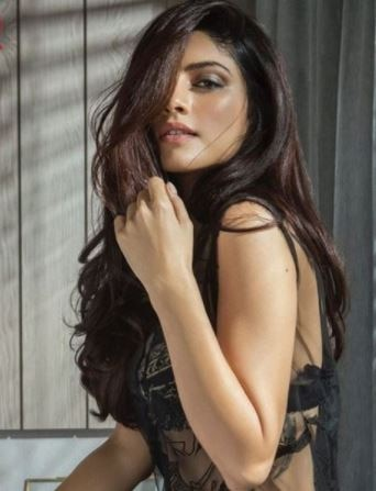 see the lalets pics of khamoshiyan actress sapana pabbi