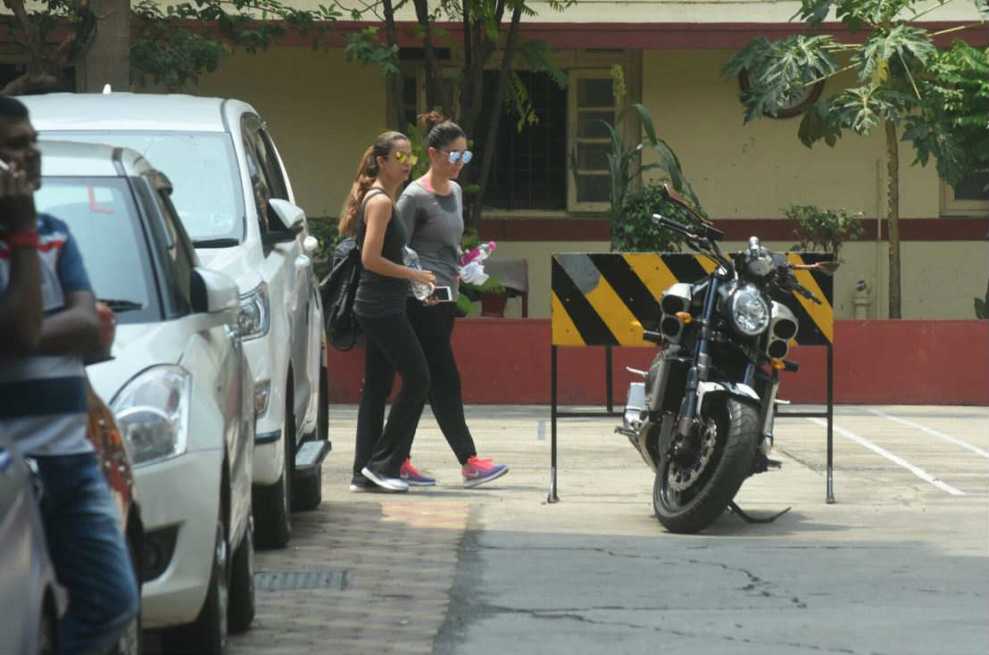 Kareena Kapoor Khan is so mad about working out at the gym, see pics