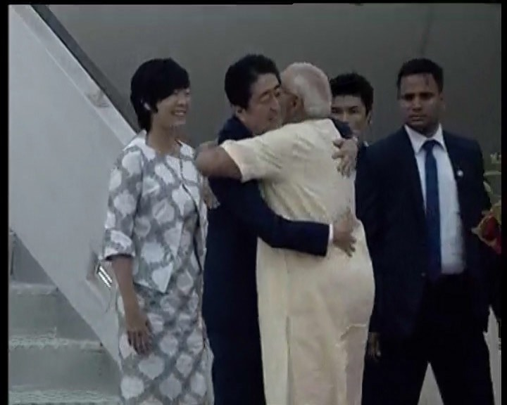 PM Modi welcomes Japanese Prime minister Shinzo Abe and his wife at Ahmedabad Airport